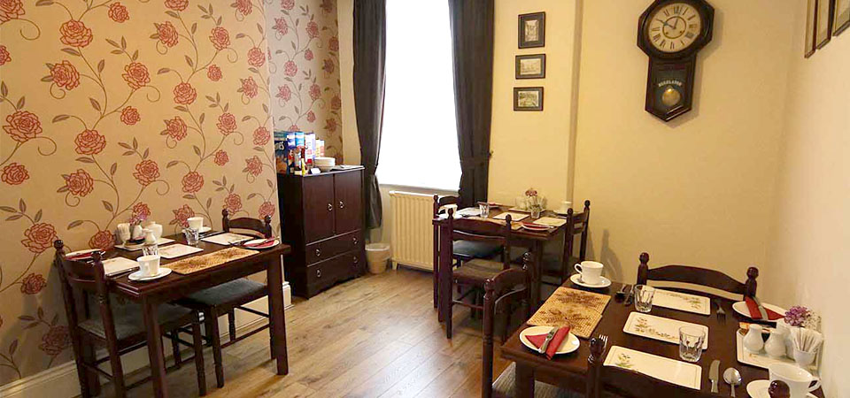 mowbray-guesthouse-york-dining-room-slide